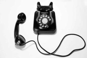 Bel deze mooie telefoon van bakkaliet als je de photobooth huren bij ons wil?
